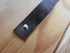 Lederen handvat Diys, Interior Design, Wood, Crafts, Jewelry, Craft Ideas, Google, Kitchen, Design Interiors