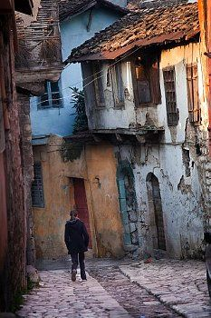 2020 World Travel Populler Travel Country – 2020 World Travel. Abandoned Houses, Old Houses, Hong Kong Art, Fractal, Urban Sketching, Art Graphique, Pictures To Paint, Watercolor Landscape, Ancient Architecture
