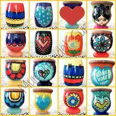 Mates De Madera Pintados A Mano Decor Crafts, Diy And Crafts, Decoupage Art, Pottery Designs, Painted Pots, Terracotta Pots, Bottle Crafts, Gourds, Flower Pots