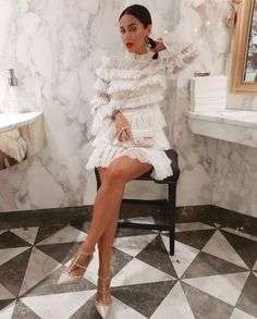 Est-ce que l'on souhaite vraiment être Sexy ? – Bloc Mode – Expolore the best and the special ideas about Spring couture Classy Outfits, Cute Outfits, Mode Ootd, Looks Street Style, Mode Chic, High Fashion, Womens Fashion, 90s Fashion, Ladies Fashion