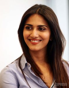 Model-turned-actress Vaani Kapoor is all smiles at the Screen Big Picture. #Bollywood #Fashion #Style