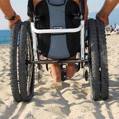 Roues spéciale plage et neige pour fauteuil roulant (Illustration n° 1) Voir une plus grande image dans une nouvelle fenêtre