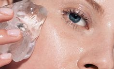 Prime Skin Before patting on foundation, run an ice cube over your face, focusing on areas with enlarged pores. The cold water will cause pores to reduce in size and minimize their appearance under makeup. Icing these areas before your application of a primer can yield extra-smooth results fit for an ice queen.