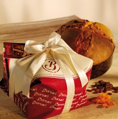 Panettone Classico (1kg) // #singapore #christmas #italy #xmas #delicious #gift #confectionery #traditional #authentic #artisan