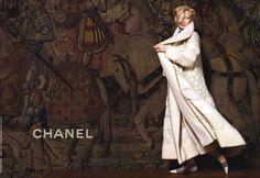 Tilda Swinton como rostro de la colección Pre-Fall 2013 Paris-Edimbourg de Chanel