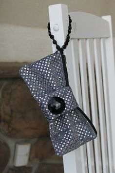 The Stitching Scientist: Evening Bow Clutch Tutorial #free-sewing-tutorial