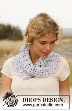 """Gehaakte DROPS moebius sjaal van """"Baby Merino"""". ~ DROPS Design"""