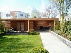 tuinhuisjes met groot lounge gedeelte. heerlijk relaxen in de tuin