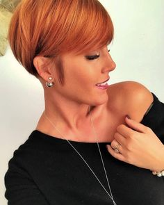 Today we have the most stylish 86 Cute Short Pixie Haircuts. We claim that you have never seen such elegant and eye-catching short hairstyles before. Pixie haircut, of course, offers a lot of options for the hair of the ladies'… Continue Reading → Medium Long Haircuts, Short Pixie Haircuts, Pixie Hairstyles, Short Hairstyles For Women, Pretty Hairstyles, Style Hairstyle, Chic Short Hair, Corte Y Color, Long Hair Cuts