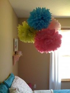 DIY pom pom thingy for room decor/birthday decor!