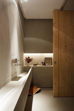 Apartamento EF - Jardins / Consuelo Jorge Arquitetos #nicho #lavabo #lavatory #restroom #bathroom #niche #lighting