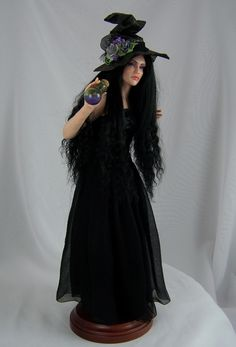 Regina, a One of a Kind OOAK Witch sculpture by Phyllis Morrow of Pgm Sculpting Halloween Miniatures, Halloween Doll, Halloween Items, Vintage Halloween, Haunted Dollhouse, Marionette, Polymer Clay Dolls, Witch Art, Doll Repaint
