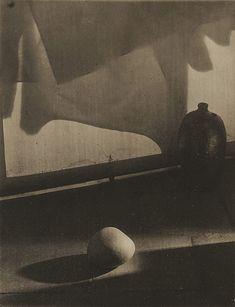 Resultado de imagen para A Walk in the Garden of the Lady Sculptor 1957 Josef Sudek