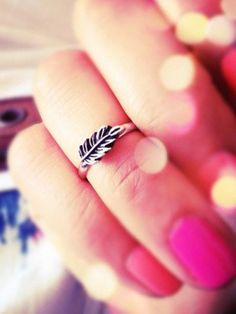 Leaf midi ring