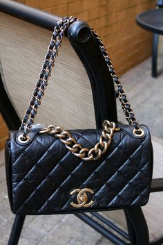 HotSaleClan com 2013 Latest Chanel Handbags on sale 982eb4b92998a