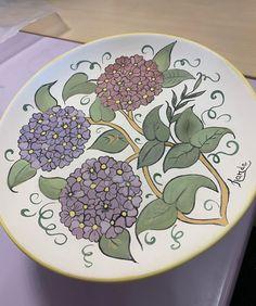Tableware, Gifts, Tile, Instagram, Drawings, Plate, Artists, Pintura, Presents
