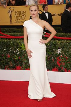 Reese Witherspoon in Giorgio Armani