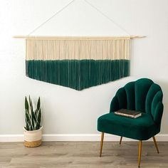 A pop of color goes so great with fall decor! Swipe to see another version! Custom sizes and colors are available. Visit the link in bio to shop. #Regram via @www.instagram.com/p/CGImj9Bj-qo/ Mid Century Modern Living Room, Living Room Modern, Living Room Decor, Large Macrame Wall Hanging, Macrame Plant Hangers, Bohemian Living Rooms, Bohemian Decor, Hotel Decor, Minimalist Living