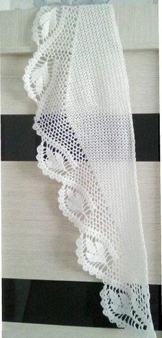 Aprende a tejer un chal calado triangular ¡Ideal para todas las estaciones! Crochet Shawl, Crochet Scarves, Knit Crochet, Shawl Patterns, Dress Patterns, Crochet Patterns, Cowl Scarf, Jumper, Crochet Poncho