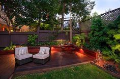 Le panneau occultant de jardin est une déco pratique que vous pouvez utiliser come décoration de vos extérieurs. Les designs varient et le choix est à vous!