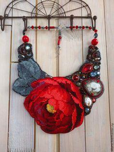Beaded necklace / ПИОН - колье - колье ручной работы, колье вышитое бисером, колье с цветком