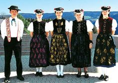 St. Peter, Schwarzwald Folk Costume, Costumes, Black Forest, People Around The World, Moment, Traditional Dresses, Hats For Women, Austria, Switzerland