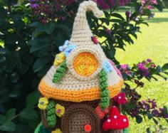 A Crochet Handmade Fairy / Gnome House Garden Home por emcrafts