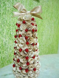 Flores de filtro de café montam uma pequena árvore