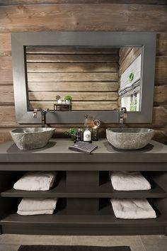 FINN Eiendom - Fritidsbolig til salgs Interior Stairs, Bathroom Interior, Bathroom Modern, Painting Bathroom Cabinets, Cabin Bathrooms, Rustic Bathroom Designs, Wooden Cabins, Cottage Interiors, Cabin Homes