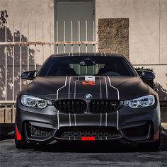 Akrapovic Tuned BMW M4 Follow @M_Motorsports for more! Photo Uploaded by @t_s_photography  (via http://instagram.com/p/vJupjBHNfK/?modal=true )