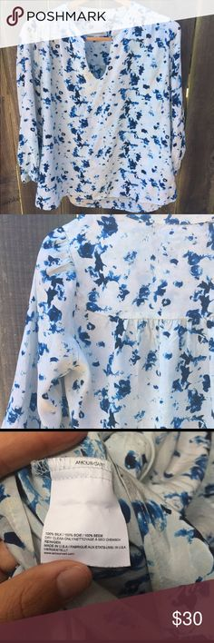 Amour Vert 3/4 length top Lovely floral design. Great for casual and formal occasions. In perfect condition. Amour Vert Tops Blouses