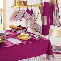 Yarn & Home Textiles Quiling Paper, Textile Courses, Apron Pattern Free, Green Name, Cuisines Diy, Sewing Aprons, Kitchen Sets, Kitchen Curtains, Home Textile
