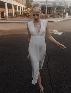 Cocktail Bridesmaid Dresses, Long Cocktail Dress, Wedding Dresses, Shilpa Shetty, Sonakshi Sinha, Victoria Beckham, Emma Roberts Style, Emma Roberts Ahs, Robert White