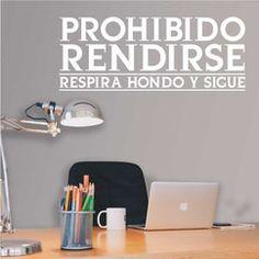 07.Prohibido rendirse Medida: 56x141cm Precio: 43,05 € retovinilo, vinilos decorativos, negocios, trabajos, oficinas, paredes, inspiración, textos, frases, motivacion,