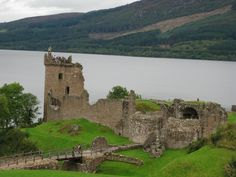 Urquhart Castle which sits on the Loch Ness. Can you see Nessie? A famous spot to go with anyone visiting Scotland for the first time! Urquhart Castle, Loch Ness Monster, The Loch, Scottish Highlands, Places Ive Been, Mount Rushmore, Beautiful Places, To Go, Around The Worlds