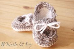 Crochet babyboat shoes-- Free Pattern - Whistle & Ivy