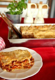 Najlepsza lasagne. Przepis dostałam od przyjaciółki, która mieszkała przez kilka lat we Włoszech. Jest naprawdę fenomenalny. Lasagne wychodzi przepyszna!
