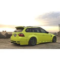 Liberty Walk widebody E90 wagon