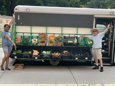 Go Fresh Mobile Market – Live Well Springfield ~ Fruit And Veg, Fruits And Vegetables, Farmers Market Display, Produce Market, Organic Food Shop, Coffee Food Truck, Mobile Food Trucks, Shop Shelving, Vegetable Stand