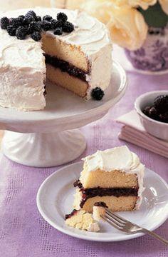 Lemon cake with blackberries & Earl Grey