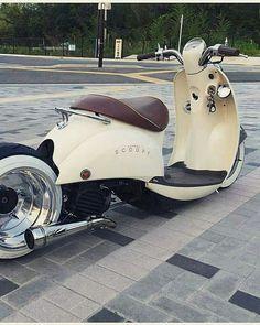 Vespa Bike, Moped Scooter, Vespa Scooters, Bobber Bikes, Honda Bikes, Yamaha Motorcycles, Old School Motorcycles, Concept Motorcycles, Scooter Custom