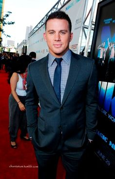 Channing Tatum, he looks mighty fine in that suit!