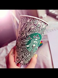 Awesome Starbucks cup art again by Kristina Webb Starbucks Cup Design, Starbucks Cup Art, Starbucks Coffee, Coffee Cup Art, Coffee Love, Coffee Coffee, Kristina Webb Art, Copo Starbucks, Arte Sketchbook