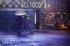 Christophe JACROT :: So nice!, from Taipei in the Rain series Photo D Art, Picture Photo, Christophe Jacrot, Art En Ligne, Buy Photos, Color Studies, Street Photographers, Japanese Artists, New Perspective