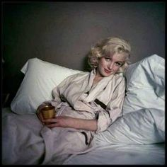 """1953 / """"IN BED WITH MARILYN"""" / Marilyn by Milton GREENE."""