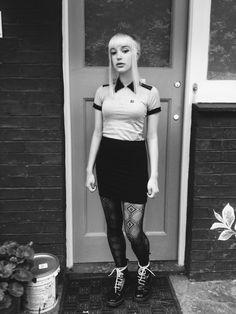 Keep it ska ! Chica Skinhead, Skinhead Reggae, Skinhead Girl, Skinhead Fashion, Chelsea Cut, Chelsea Girls, Fred Perry, Mod Fashion, Girl Fashion