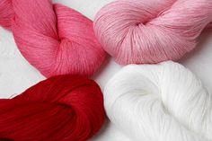 Set of 4 linen skeins  red-white mix от YarnStories на Etsy