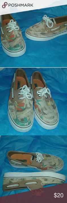 Sperry Top Sider Tropical Print Shoes Womens 5.5M Very good clean condition. Out soles dirty, uppers great. Such a fun, comfy pair. Sperry Top-Sider Shoes