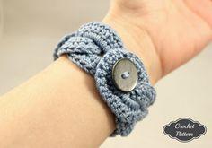 CROCHET PATTERN Crochet Bracelet Infinity Link Cuff by OnTheHook