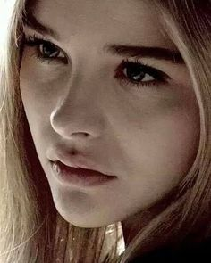 Chloë Moretz face is BEAUTIFUL and PERFECT